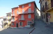 VGN002, Een gebouw in een van de  dorpen van de Monferrato, met een eigen binnenplaats