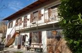 CAN001, Casa con terreno nel Roero