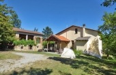 PRD001, boerderij met twee stenen huisjes te koop