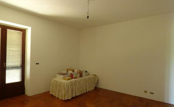Casa con 2 appartamenti (13)