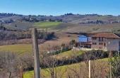 MTG001, Mooi verbouwde vrijstaande Piemontese boerderij met panoramisch uitzicht