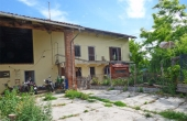 LQT003, Landhuis met 15000 m² grond